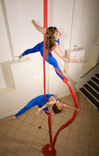 Aerial Silks Duet CircusPerformers Photo by Ryan Evans